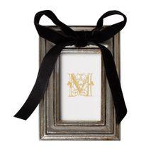 mini-porta-retrato-manu-fisch-home-dourado-com-laco-preto-1